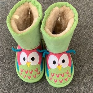 Brand new toddler boots! Fuzzy!
